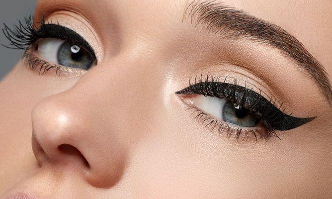 ¿Cómo tener unos ojos de impacto? Rímel y delineador ¡No necesitas nada más!